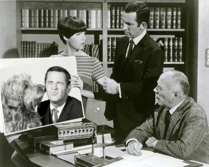 This image, apparently, was first posted online by TVLand Fan Dave; look for his name within the image.
